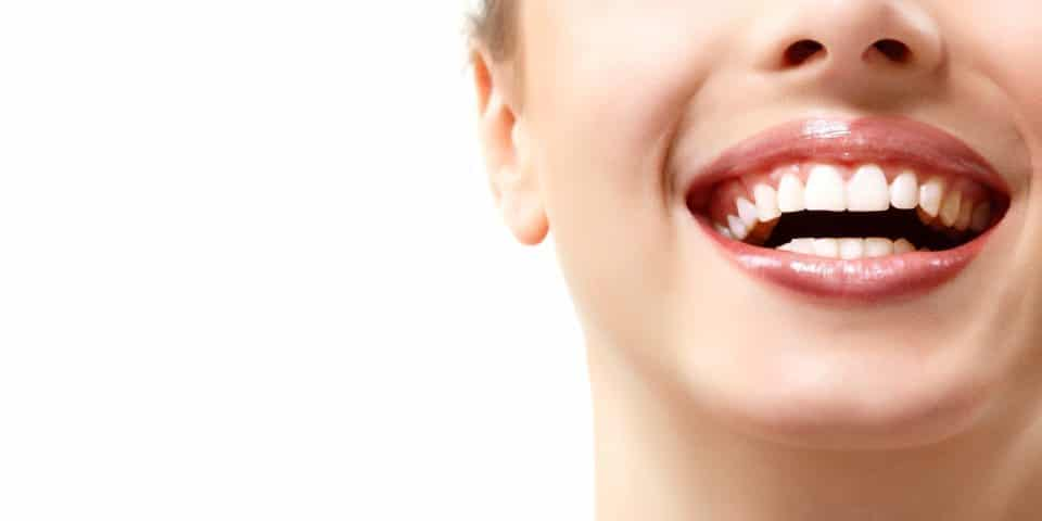 Possible Teeth Whitening Side Effects Featured Image - Marx Family Dental